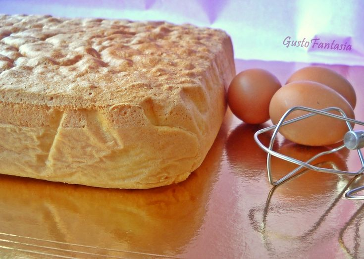 Pan di Spagna Una preparazione morbida e gustosa che si scioglie in bocca, è la base per tantissime ricette di pasticceria tra cui torte farcite, pasticcini