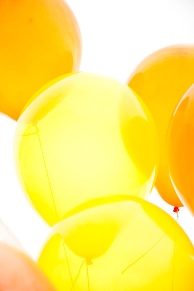 yellow ballons
