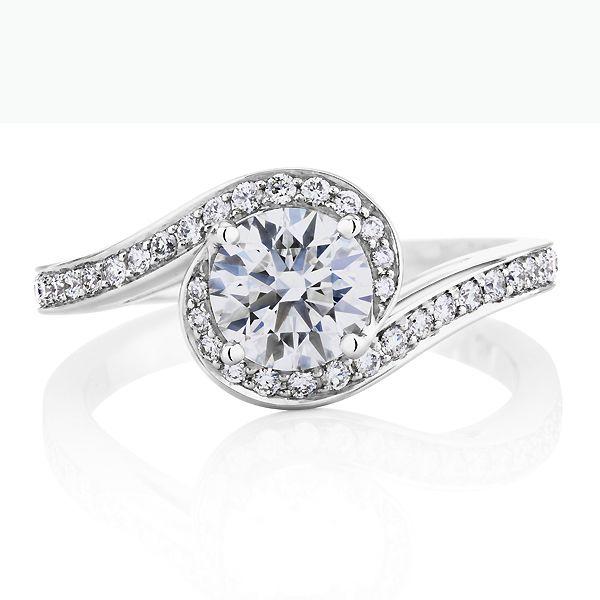 DE BEERS CARESS リング - DE BEERS(デビアス)の婚約指輪(エンゲージメントリング)爪なしのエンゲージリング・婚約指輪を集めました!