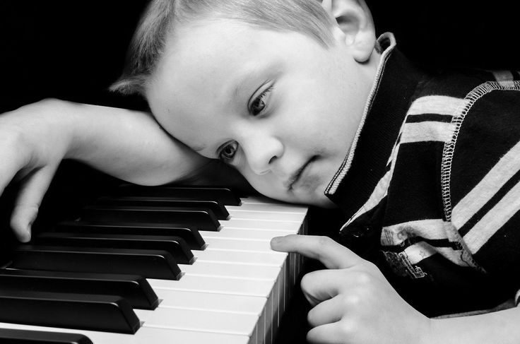 Der nun folgende Beitrag befasst sich mit der muskulären Hypotonie des Kindes. Der folgende Bericht soll als allgemeine Information zum Thema Hypotonie der Muskulatur bieten. Es soll Eltern, Lehrern und Interessierten ermöglichen, dieses Thema besser verstehen zu können und Übungen…