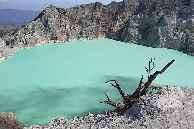 Turquoise water at the Ijen Crater