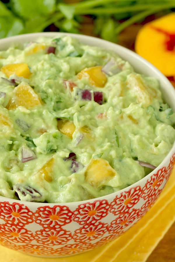 Healthy guacamole! Don't serve up the same basic guacamole you make all the time! We've got a fun, calorie-slashed recipe just in time for Cinco de Mayo. 1/3 c.: 67 calories | 4g fat | 2 Weight Watchers SmartPoints | PIN!