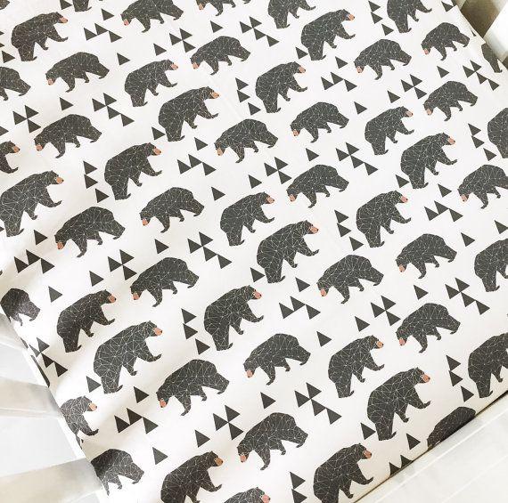 Cuna equipada hoja geométrica oso - crema y marrón - diseñado por Andrea Lauren-Woodland Crib hoja oso cuna cuna ropa de cama-oso hoja orgánica