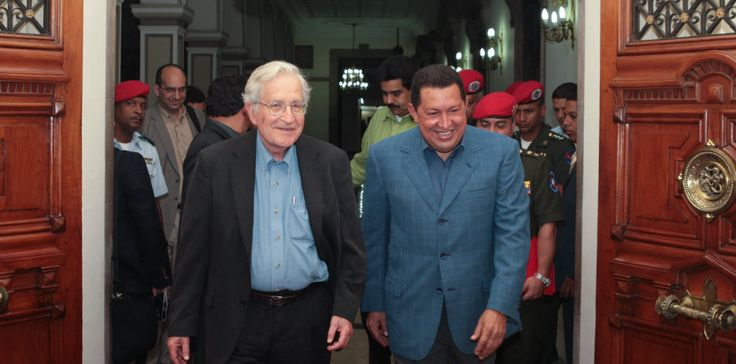 El pensador, catedrático e ideólogo de la izquierda mundial, Noam Chomsky, criticó fuertemente al régimen chavista. Antes lo había alabado.