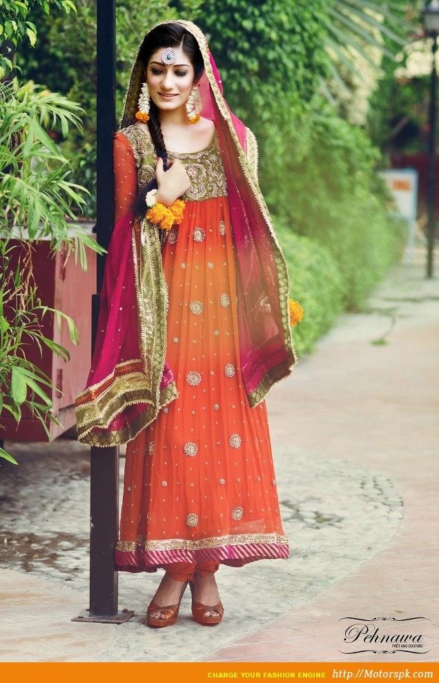 http://www.motorspk.com/latest-pakistani-lawn-collection/winter-season-wear/pehnawar-dress-designs-women-girls-20122013/    Pehnawa Embroidered Shirts www.She9.blogspot.com (6)