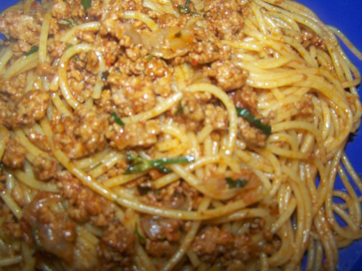 Spaghetti bolognese with minced meat  www.estellarchive.wordpress.com