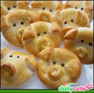 Pig party food by rochelle: Piglets, Idea, Little Pigs, So Cute, Recipes, Rolls, Cute Piggy, Breads Dough, Kid