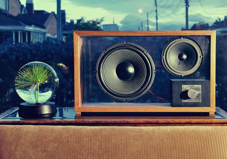 Houd Speakers - Pristine acoustics from sustainable Colombian wood