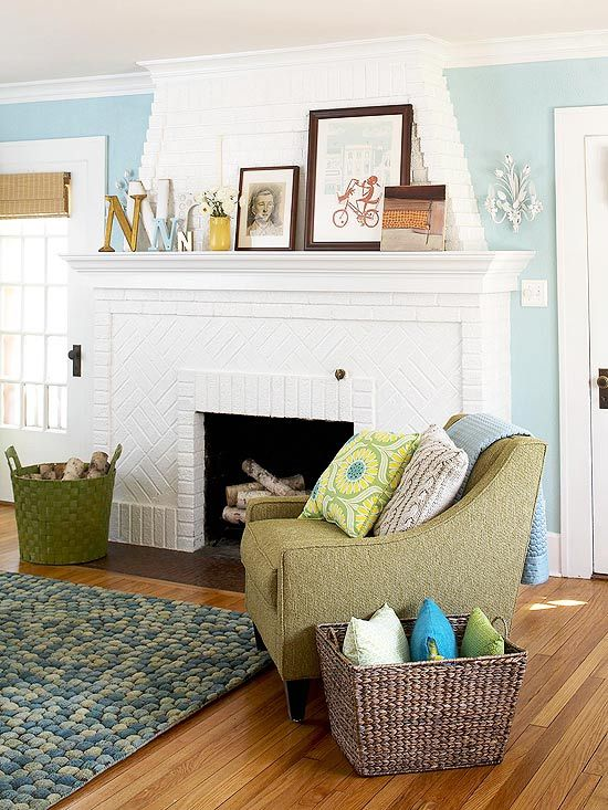 painted brick fireplace: Wall Colors, Decor Ideas, Living Rooms, Blue Wall, Brick Fireplaces, Paintings Brick, Colors Schemes, Paintings Fireplaces, Families Rooms