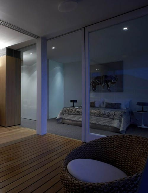 BELLEVUE HILL APARTMENT | alwill  #bedroom #verandah #glassdoors