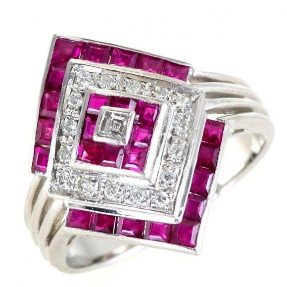 【中古】Pt900 ルビー アンティーク リング/個性的なデザインのルピーとダイヤモンドのリングです。地金素材にはプラチナを使用し輝きと重厚な存在感で本格ジュエリーとしてエレガントに指元を演出してくれます。/新品同様・極美品・美品の中古ブランド時計を格安で提供いたします。