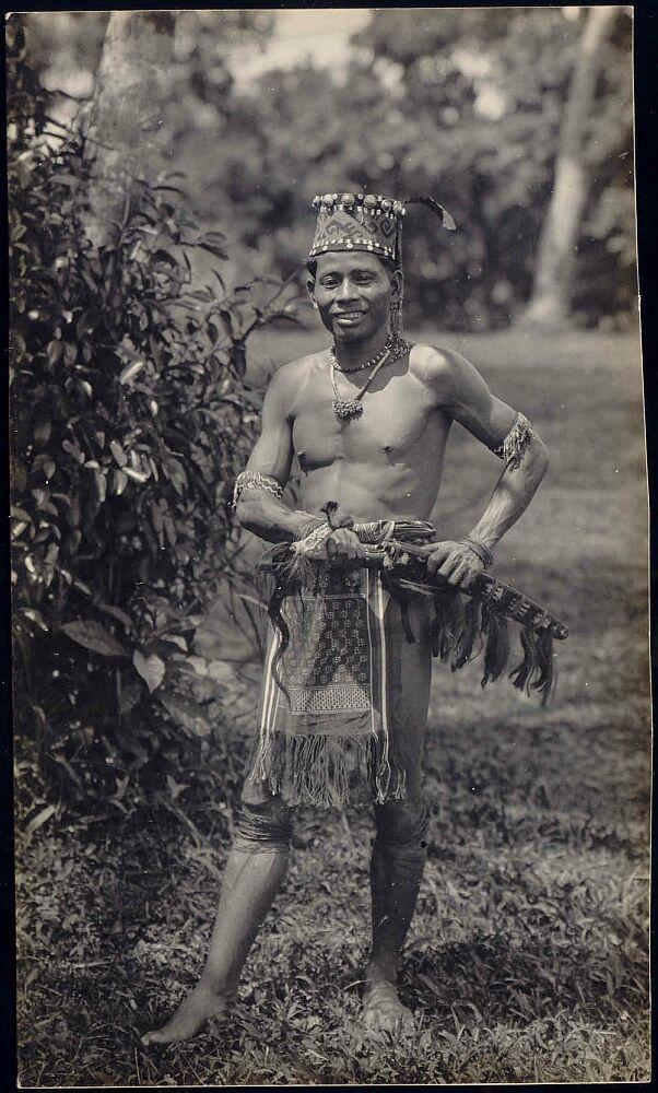 malaysia Borneo Sarawak DAYAK Armed Warrior 1920