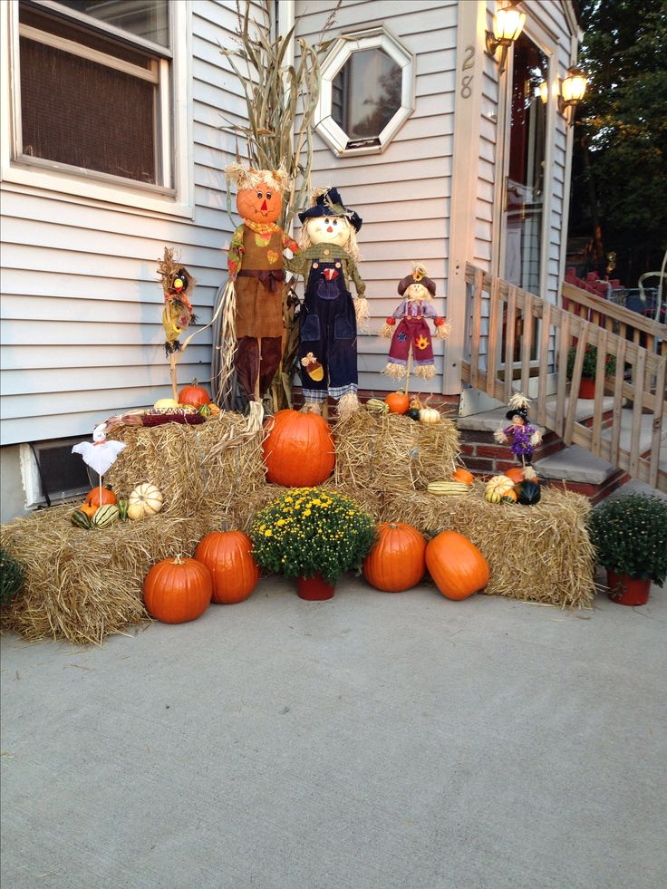 1418 best scarecrows and fall images on pinterest fall for Pictures of fall decorations for outdoors
