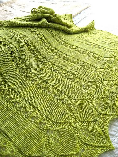 Ravelry: Owlish's Ophelia's Willow           ☆Blätter  an glatt rechtes Tuch anstricken  ☆