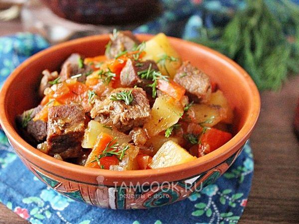 Тушеная говядина с картошкой в духовке