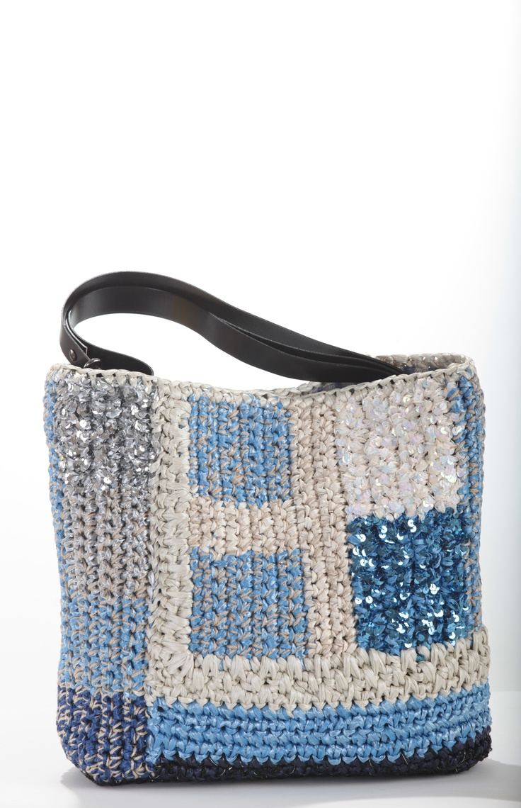 jeans perfect pal ..with a style  Batalia bag   lorenza-gandaglia.myshopify.com