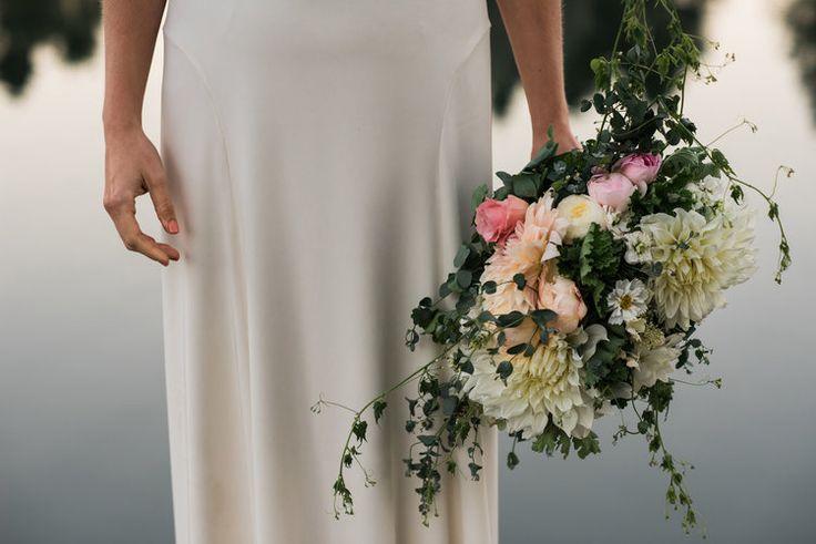 ombre wedding bouquet / kat rizza photography
