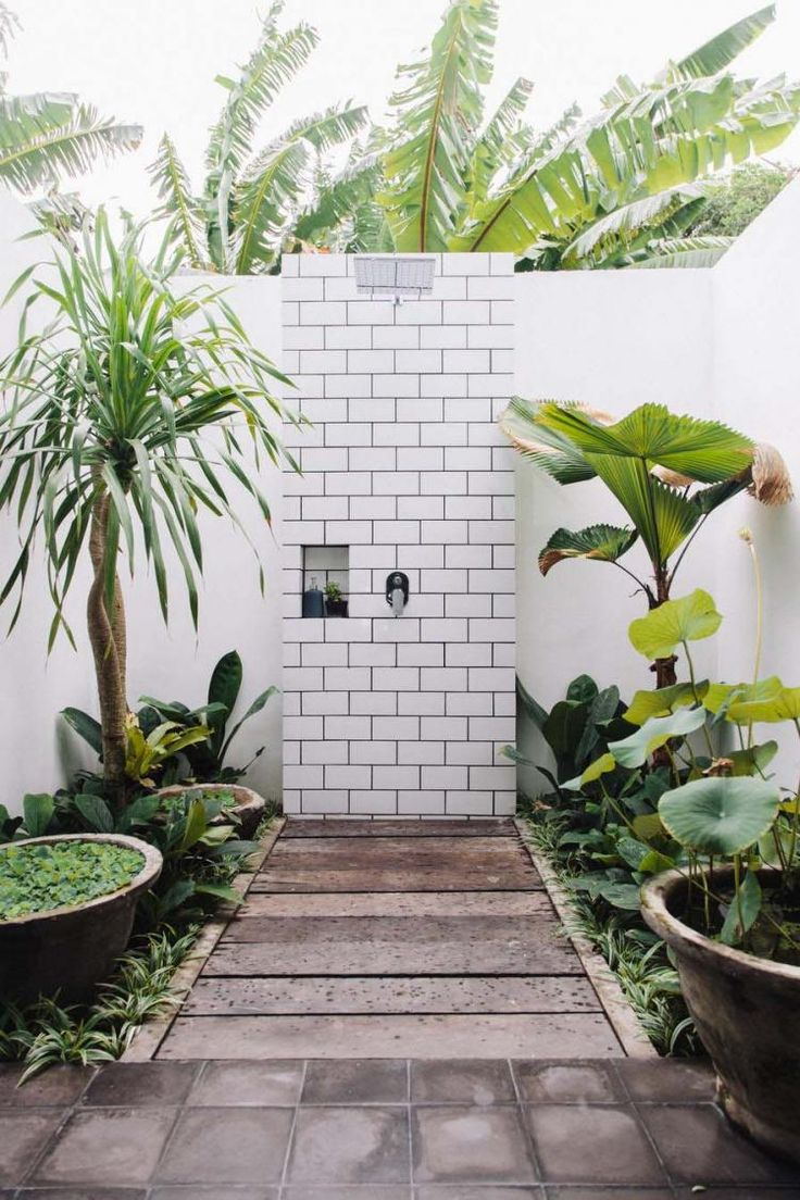 40+ Gorgeous Outdoor Showers Make you Leave Indoor Bathroom