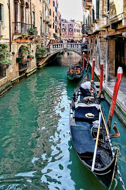 Ponti di Venezia by luciano dionisi (very busy), via Flickr
