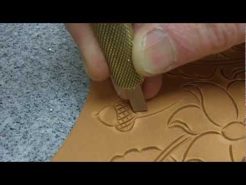 Leather Carving - How to use a swivel knife