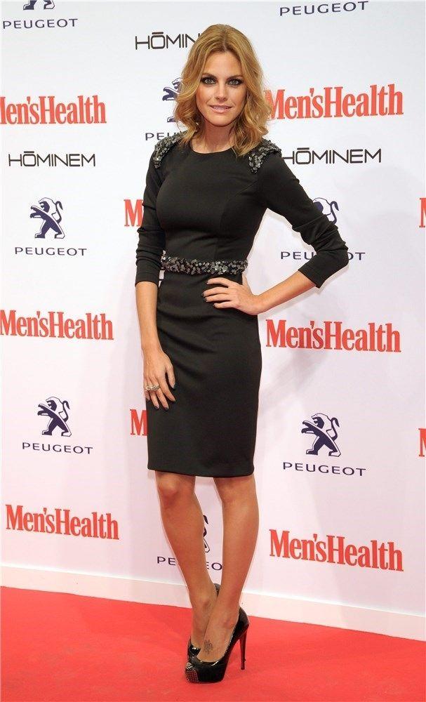 Amaia Salamanca con vestido de ChicNrolla en la fiesta de los premios Men's Health