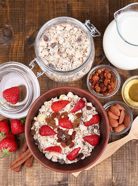 5 Ways to Improve Your Morning Oatmeal - Wake up basic oatmeal with these tips…