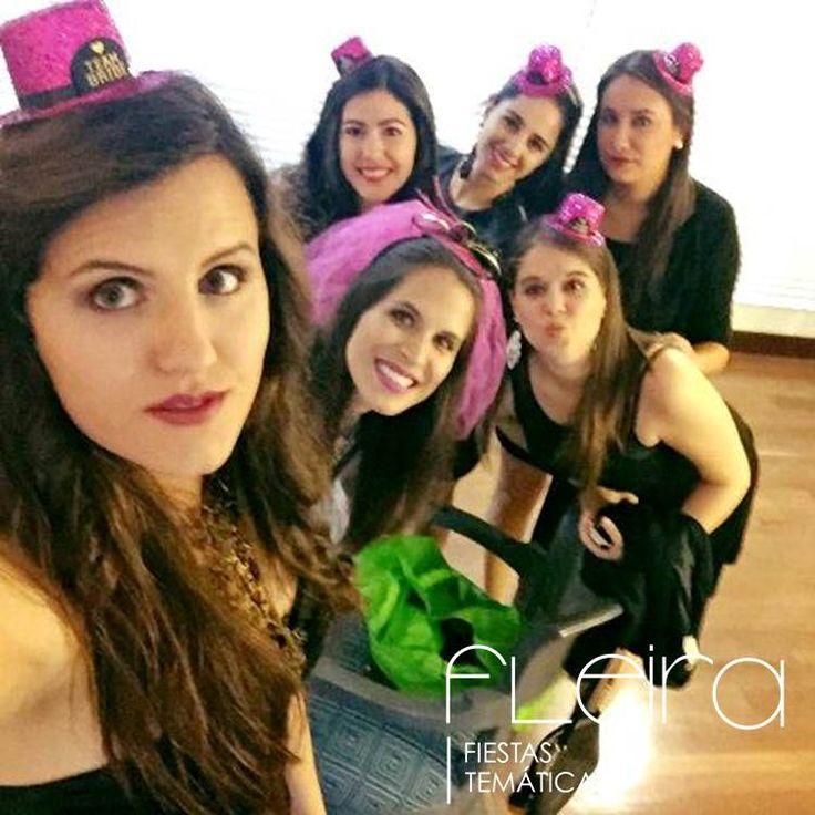 Despedida de soltera sexy - Team bride. #Velo #MiniSombreros #Glitter #TeamBride #Fleira #FutureMrs