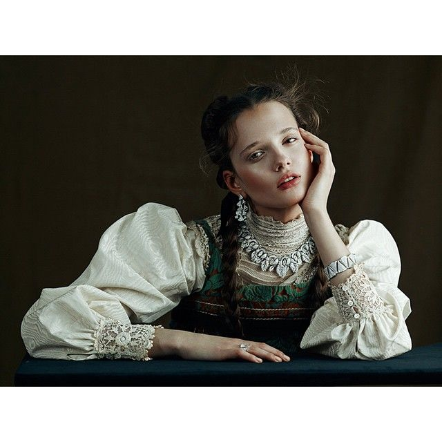 Photographer Kiki Xue @kikikixue for Vogue Gioiello March issue 2015 styled by Enrica Ponzellini @enricaponzellini hair by Joseph Pujalte @josephpujalte make up by Marie Duhart @mariaduhart manicurist Chloe Desmarchelier @chloedesmarchelier model @alice_tubilewicz @voguegioiello_official  #Vogue #VogueGioiello #VogueItalia #Jewelry #Prada #Bulgari #KikiXue #EnricaPonzellini #JosephPujalte #MarieDuhart #ChloeDesmarchelier #atomomanagement #atomoteam