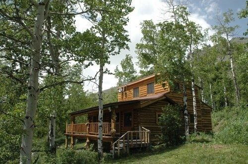 Cabins In Yellowstone National Park