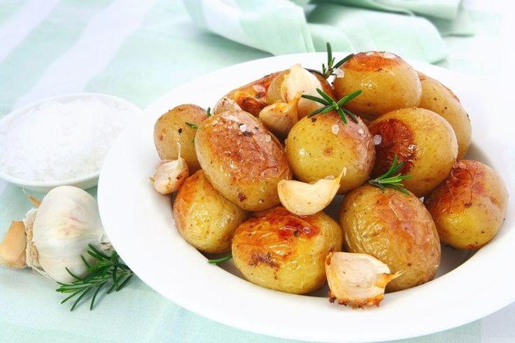 Аромат этой картошечки с первых минут покорит ваших гостей, а приготовление – проще простого!