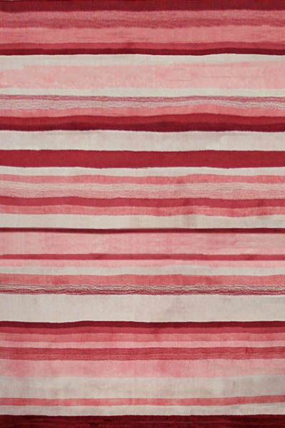 Source Mondial has long been associated with achieving cleverly designed striped rugs and carpets. Whether you go bold or neutral, striped rugs have timeless appeal.