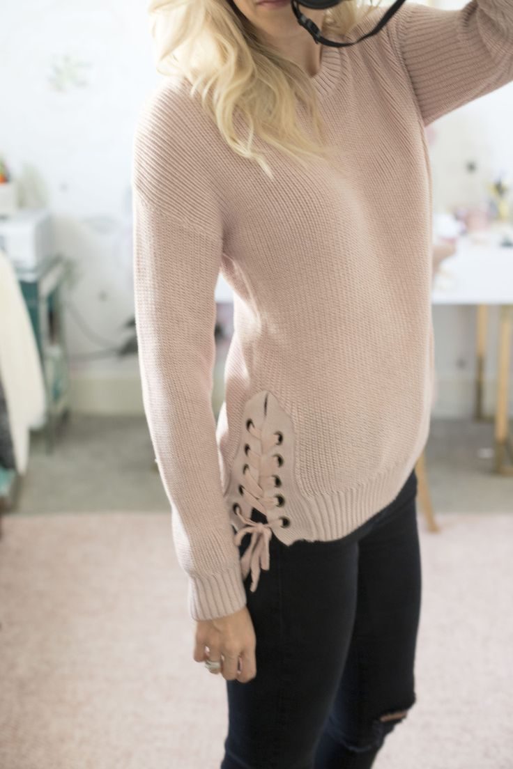 A HUGE sweater sale is going on! There are 20 different cute styles and TONS of colors to choose from! Click for my code to get 40% off making this beautiful sweater under $30! Sweater weather | Huge sale | Sweater sale | Sweater outfit | Fall fashion | Cutest sweaters | Dress for fall | Black jeans | Pink sweater