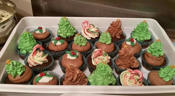 Christmas buttercream cupcakes