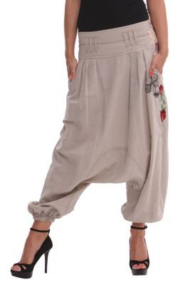 Desigual women's Style harem pants. Double waist, with embroidered floral motifs along the side and elastic hems. For a more casual look.