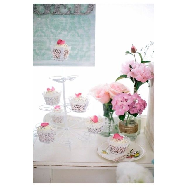 Sally Bay, cupcakes, floral, rose petal, pink, lace, vases, hydrangea