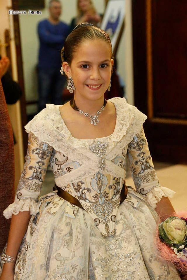 Resultado de imagen de trajes fallera mayor infantil de valencia 2016