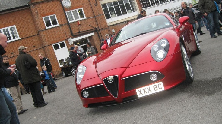 Alfa Romeo 8c front