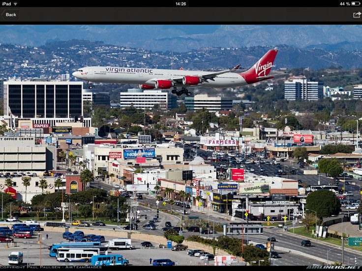 A Virgin Atlantic landing to LAX.