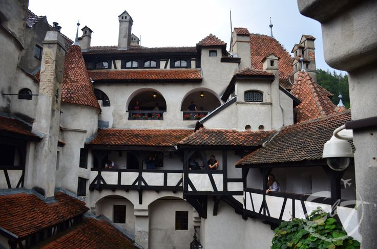 There is nothing more exciting than visiting Dracula's land and admiring the beautiful region of Transylvania. Here it is not only a legend...#Bran #Castle #Romania #Dracula #vampire