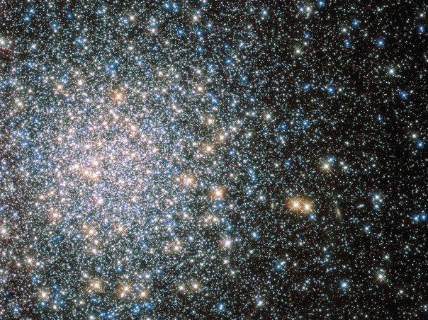Звездное скопление Messier 5 от Хаббла / Astro Analytics