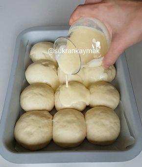 Pamuk gibi Soslu börek❤Bildiğiniz tüm börekleri unutun Lezzetli özel sosuyla gelsin mi canlar tarifi ❤Beğenip kaydetmeyi unutmayın lazım…