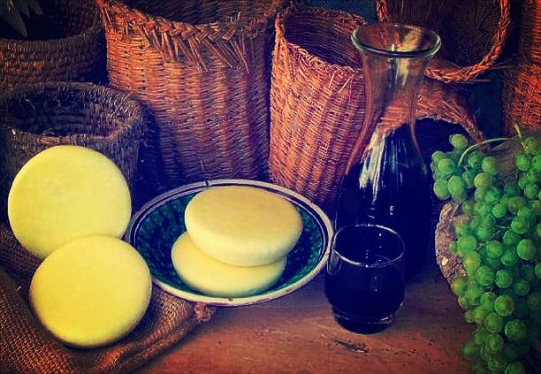 The famous Vastedda is a tipical cheese of this district, people here taste it combined with red wine. Have you ever heard about it? #terresicane #cucinatipica #settesoli