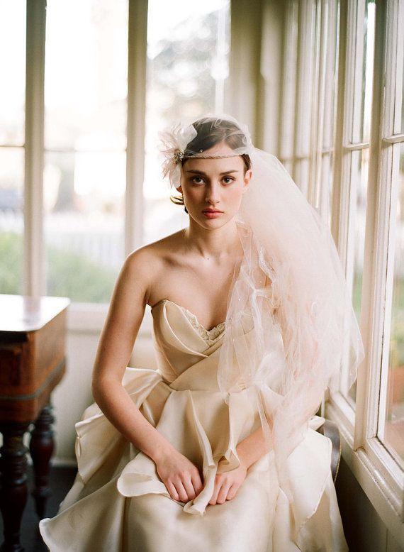 robe de mariée en soie pour Ruth par Leanimal sur Etsy, $2485.00