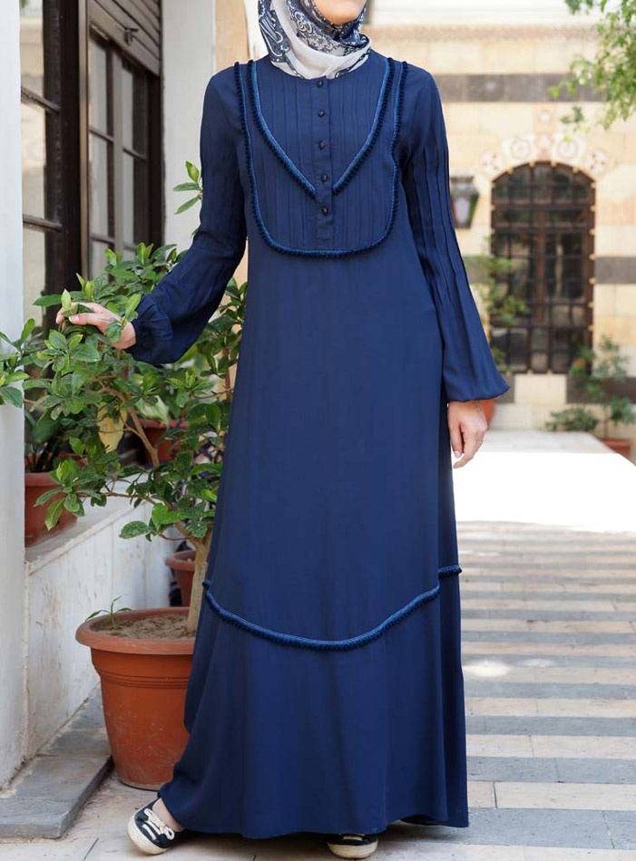Janna Dress   This lightweight dress provides a fashion forward cultural mix: the old West meets modern Islamic fashion! Another nice fusion of styles and great for new breastfeeding mothers, get yours today.