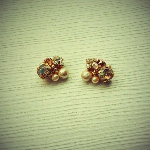 bijou pierced earrings...champagne gold...☆