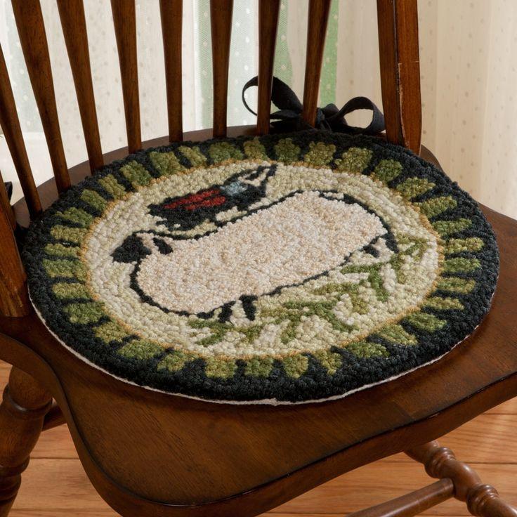 Rag Rug Stool: 172 Best Images About Rug Hooked Chair Pad On Pinterest