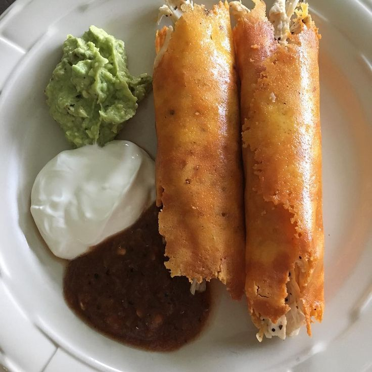Chicken flautas (made with cheddar and pepper jack cheese) with guacamole, sour cream and salsa #lunch #lowcarb #lowcarbdiet #lowcarbhighfat #lowcarblifestyle #atkins #atkinsdiet #eatfatlosefat #nograins #nosugar #keto #ketosis #ketosis #ketogenic #eatrealfood #eatclean #eathealthy #notadiet #itsalifestyle
