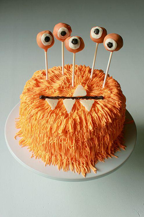 Halloween Monster Cake @FoodBlogs