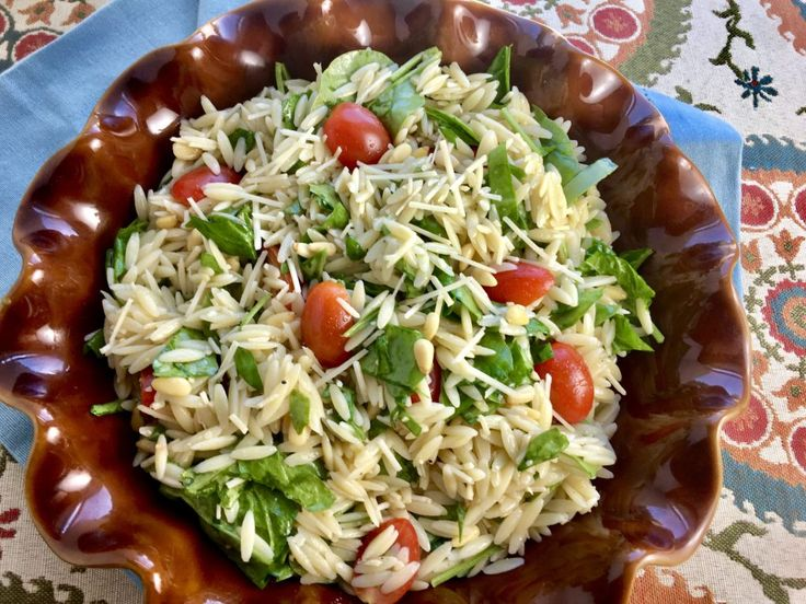Lemon Orzo Salad with Spinach, Tomatoes and Pine Nuts (like Fresh Market)      The Sisters Cafe