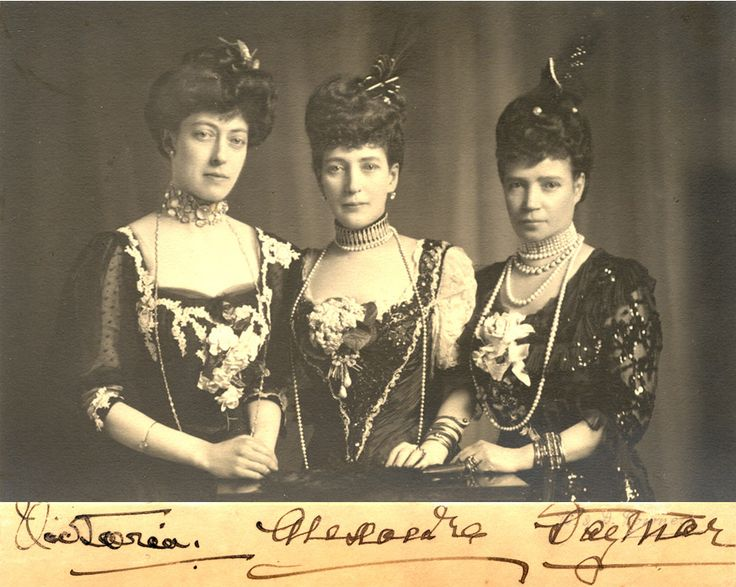 1908 Princess Victoria of England, Queen Alexandra of England and Alexandra's sister Dagmar: Tsarina Marie Feodorovna of Russia.
